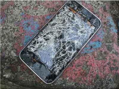 摔坏的iPhone